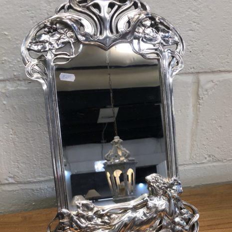 Nouveau Mirror